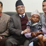 १२ किलो तौल भएका ६३ वर्षीय पौडेलले भेटे प्रधानमन्त्रीलाई