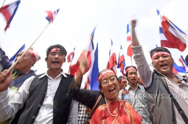 Madhesi protest against Govt at Singhdurbar6