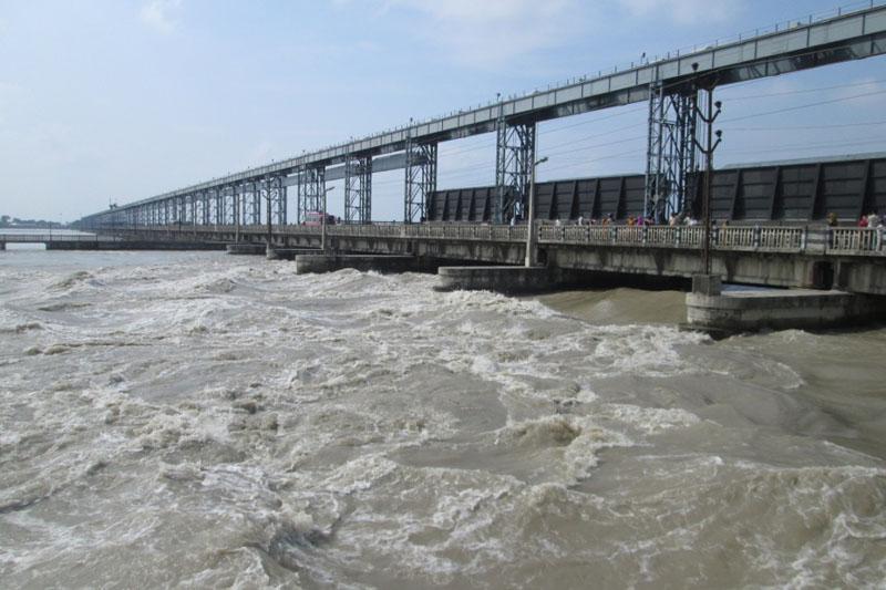 Swollen Saptakoshi River after incessant rainfall at the Koshi Barrage in Saptari-Sunsari border, on Saturday, July 23, 2016. Photo: Byas Shankar Upadhyaya